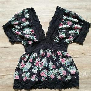 C'est Moi | Floral lace blouse